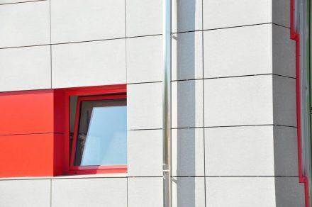Favenorte - Fachada ventilada de Bomberos en Derio